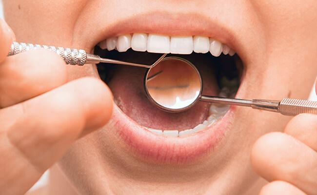 Zahnärztliche Untersuchung